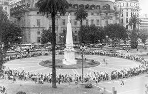 ronda_plaza_de_mayo_madre
